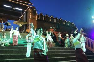 ผู้ว่าฯ ควงผู้อำนวยการใหญ่ไทยเบฟเปิดเทศกาลสายน้ำแห่งวัฒนธรรมลำพูนกระหึ่มแม่กวง