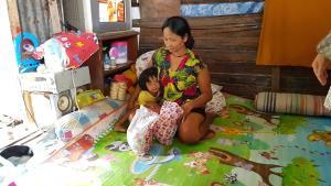 วอนผู้ใหญ่ใจดีช่วยแม่ลูก 5 ชีวิต สามีติดคุก ฐานะยากจนไม่มีงานทำเลี้ยงลูก