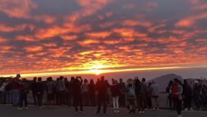 ฟิน! ดอยอินทนนท์หนาว 6 องศา-อาทิตย์ทอแสงทองขึ้นขอบฟ้าสุดงดงาม