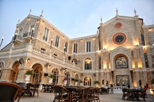 """แลนด์มาร์กใหม่เมืองพัทยา """"Castello Di Bellagio"""" ร้านอาหารสไตล์เวสเทิร์น"""