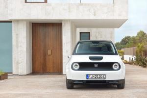 Honda e รถญี่ปุ่นคันแรก คว้ารถยนต์ยอดเยี่ยมเยอรมัน