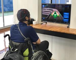 """นวัตกรรมอุปกรณ์ BCI หรือ Brain-Computer Interface """"ระบบสั่งการขับรถด้วยคลื่นสมอง"""""""
