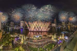 """""""ไบร์ท-วชิรวิชญ์"""" สุดปลื้ม เตรียมพร้อมเป็นหนึ่งในศิลปินจัดโชว์พิเศษส่งความสุข  ในมหกรรม """"Amazing Thailand Countdown 2021"""" สุดยิ่งใหญ่ ที่ไอคอนสยาม"""