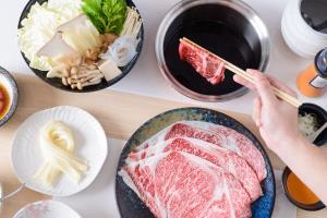 """ลิ้มรสความอร่อยของชาบู-ชาบู และสุกี้ญี่ปุ่นที่ """"ซาคาเอะ"""" ร้านอาหารญี่ปุ่นระดับพรีเมียมในเครือโออิชิ"""