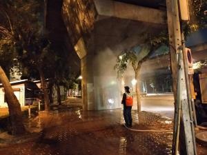 50 เขต กทม.เพิ่มความถี่ฉีดล้างใบไม้และทำความสะอาดถนน ลดฝุ่นฟุ้งกระจาย