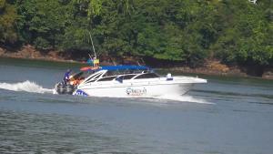 วันหยุดยาวนักท่องเที่ยวลงเรือไปเกาะสุรินทร์-สิมิลันคึกคัก เจ้าท่าตรวจเข้มเรือสปีดโบ๊ต ป้องกันอุบัติเหตุทางน้ำ