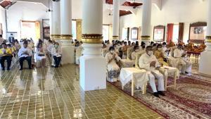 ผู้ว่าฯ เชียงใหม่นำร่วมสวดพิธีเจริญพระพุทธมนต์เสริมมงคลแผ่นดินเนื่องในวันชาติ และวันพ่อแห่งชาติ 5 ธันวา
