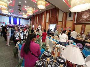 """คึกคัก งาน """"Christmas Bazar Diana Market"""" ที่โรงแรมไดอาน่า การ์เด้น รีสอร์ต"""