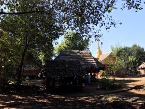 ทึ่ง! ชาวกะเหรี่ยงลำพูนทั้งหมู่บ้านไม่ยอมใช้ไฟฟ้า-ประปา ลั่นขอยึดถือสืบสานวิถีชีวิตโบราณ