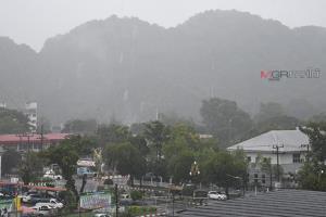 พัทลุงฝนตกหนักต่อเนื่อง กรมอุตุฯ เตือนน้ำท่วมฉับพลัน และน้ำป่าไหลหลาก