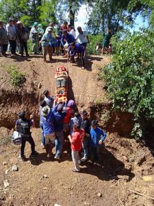ชาวบ้านศรีสวัสดิ์ถูกช้างป่าเขตฯ สลักพระ ทำร้ายเจ็บ 2 ราย