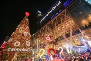 """ตระการตา """"ต้นคริสต์มาสยักษ์"""" สูงที่สุดในอาเซียน กับ 10 ไฮไลท์ห้ามพลาด"""