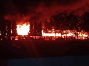 ไฟไหม้อาคารเรียนวอดทั้งหลัง เร่งหาที่เรียนชั่วคราวก่อนเปิดเทอม 1 ธ.ค.นี้