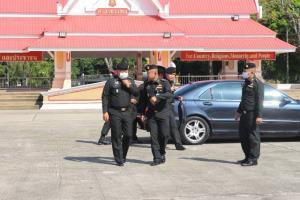 มทภ.3 บินด่วนขึ้นเหนือย้ำแผนสกัดโควิด วอนคนไทยตกค้างข้ามด่านฯคุมโรคได้แทนลอบเข้าเมือง