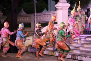 ตั๊ก นภัสกร-ร็อค ขวัญลดา ร่วมงานเผยแพร่ศิลปวัฒนธรรมทั่วทิศแผ่นดินไทย ณ สถาบันบัณฑิตพัฒนศิลป์