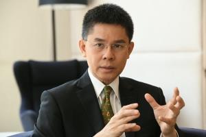 รศ.ดร.ปณิธาน วัฒนายากร อาจารย์ประจำคณะรัฐศาสตร์ จุฬาลงกรณ์มหาวิทยาลัย