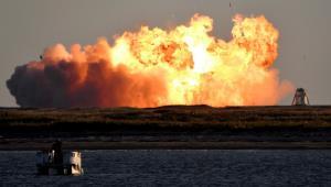 จรวดต้นแบบ 'สตาร์ชิป' ของ SpaceX ระเบิดไฟลุกท่วมขณะลงจอด (ชมคลิป)