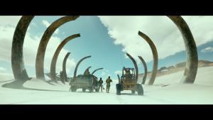 """ไม่ตั้งใจ! ทีมสร้างหนัง """"มอนสเตอร์ฮันเตอร์"""" ขออภัยกรณีเหยียดคนจีน"""