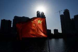 """จีนบุกรวบนักข่าว """"บลูมเบิร์ก"""" คาที่พัก ตั้งข้อหาเป็นภัยต่อความมั่นคงชาติ"""