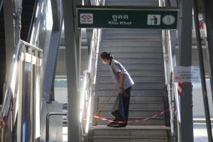 """""""รถไฟฟ้าบีทีเอส"""" ปรับแผนเดินรถ-ไปคูคตบ่ายโมงพรุ่งนี้ """"ตลาดยิ่งเจริญ"""" แจกถุงชอปปิ้ง 1 หมื่นใบ"""