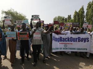 นักเรียนชายไนจีเรียเกือบ 350 คนได้รับอิสรภาพ หลังถูกก่อการร้ายลักพาตัว