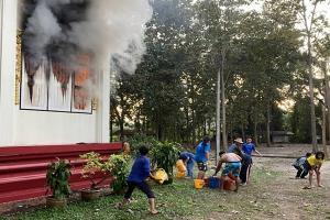 เกิดเหตุไฟไหม้คูหาเลือกตั้งภายในวัดท่ามะเฟือง