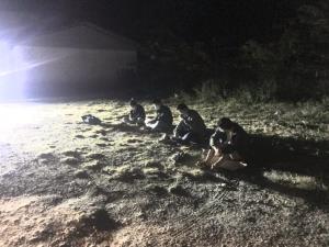 รวบ 4 หนุ่มสาวจีนตกค้างท่าขี้เหล็ก หนีโควิด-19 ลอบข้ามน้ำเข้าชายแดนแม่สาย