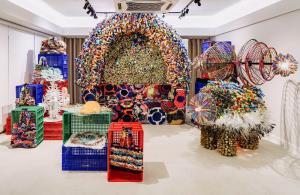 """""""วิชชุลดา ปัณฑรานุวงศ์"""" จัดนิทรรศการศิลปะ แปลงขยะกลับมาใช้ในชีวิตประจำวัน"""