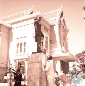 โรงละครแห่งชาติในวันที่เปิด  23 ธันวาคม  พ.ศ. 2508