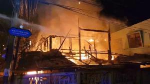 สลด!ไฟไหม้บ้านวอดคลอกหนุ่มใหญ่ลำปางดับสยองคากองเพลิง