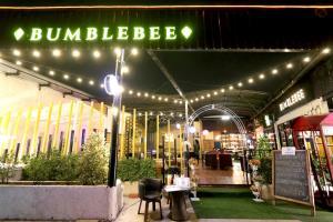 """BUMBLEBEE"" ชวนนั่งชิล ร้านเปิดใหม่ย่านราชพฤกษ์"