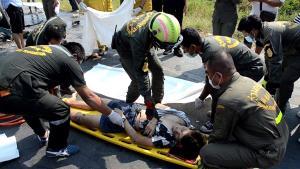 ตายอีก 1 เจ็บ 2 โค้งผีสิง มิตซูบิชิปาเจโร่ประสานงาบนถนนสายลพบุรี-สิงห์บุรี