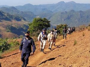 เชียงใหม่เข้มชายแดน ตม.ประสาน ฝ่ายปกครอง ตรวจต่างด้าวใช้ช่องทางธรรมชาติเดินเข้าไทย