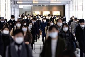 """ญี่ปุ่นจะประกาศ """"ภาวะฉุกเฉินโควิด"""" รอบ 2 หลังผู้ติดเชื้อพุ่งวันละ 3,000 คน"""