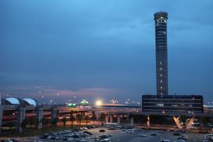 """บวท.เผยเที่ยวบินทรุด 55% """"โควิด-19"""" ซัดธุรกิจการบินปี 63 รุนแรง"""