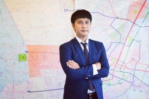 นายภัทรชัย ทวีวงศ์ รองผู้อำนวยการฝ่ายวิจัยและการสื่อสาร คอลลิเออร์ส อินเตอร์เนชั่นแนล ประเทศไทย