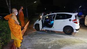 หนุ่มการบินไทยรมควันฆ่าตัวตายหน้าเมรุวัดโพสพผลเจริญ