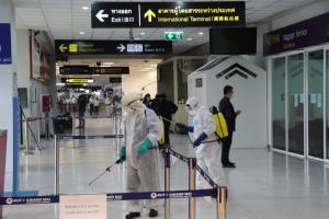 สนามบินเชียงใหม่พ่นฆ่าเชื้อละเอียดยิบหลังพบ จนท.ช่วยเหลือผู้โดยสารติดโควิด-19