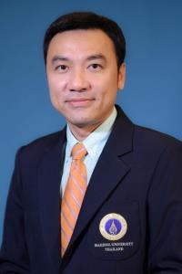 ผู้ช่วยศาสตราจารย์ ดร. เภสัชกรจตุรงค์ ประเทืองเดชกุล หัวหน้าภาควิชาจุลชีววิทยา คณะเภสัชศาสตร์ มหาวิทยาลัยมหิดล