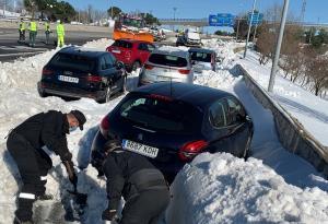 หิมะถล่มฉุดอุณหภูมิสเปนดำดิ่งสุดขั้ว ติดลบ 25 องศาเซลเซียส!! (ชมคลิป)