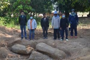 อายุนับ 1,000 ปี! ขุดพบเสาเสมาโบราณ โผล่กลางสวนชาวบ้าน อ.นาคู