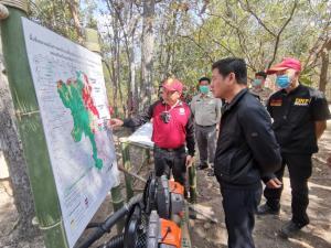 """รองผู้ว่าฯ เชียงใหม่ลงพื้นที่ """"อมก๋อย"""" เตรียมพร้อมแผนแก้ฝุ่นควันไฟป่า-เน้นบริหารจัดการเชื้อเพลิงลดเผา 25%"""
