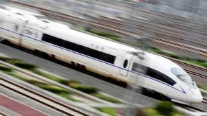จีนมีการพัฒนาด้านโครงสร้างพื้นฐานอย่างรวดเร็วยิ่ง  หนึ่งในนั้นคือรถไฟไฮสปีด