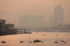 กทม.ฝุ่นพิษ PM 2.5 เกินค่ามาตรฐาน 69 พื้นที่ เริ่มมีผลกระทบต่อสุขภาพ แนวโน้มเพิ่มขึ้น
