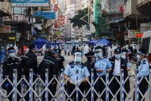 ฮ่องกง 'ล็อกดาวน์' ชุมชนฝั่งเกาลูน เร่งตรวจโควิดพลเมือง 10,000 คนภายใน 48 ชั่วโมง