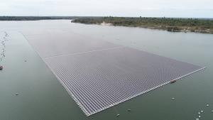 'โซลาร์เซลล์ลอยน้ำไฮบริดเขื่อนสิรินธร' ที่ใหญ่ที่สุดในโลก เตรียมดีเดย์พร้อมจ่ายไฟ มิ.ย.นี้