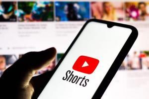แรงเวอร์! YouTube Shorts คู่แข่ง TikTok ยอดวิวพุ่งกระฉูด '3,500 ล้านครั้ง' ต่อวันในอินเดีย