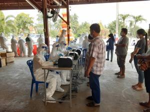 เร่งตรวจปูพรมโควิด-19 ทุกพื้นที่สมุทรสาคร ทีม SWAB เผยยังต้องการโรงพยาบาลสนามเพิ่ม