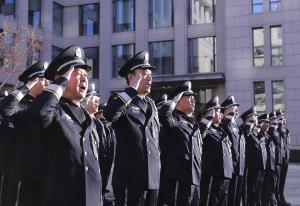 (แฟ้มภาพซินหัว : พิธีเชิญธงเนื่องในวันตำรวจประชาชนจีน ซึ่งจัดขึ้นโดยกระทรวงความมั่นคงสาธารณะของจีน ในกรุงปักกิ่ง เมืองหลวงของจีน วันที่ 10 ม.ค. 2021)