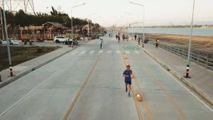 Unseen ถนนสวรรค์ชายโขงนครพนมยาวกว่า 4 กิโลฯ งบสร้าง 500 ล้านบาท